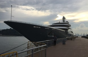 Visiting Superyacht in Singapore