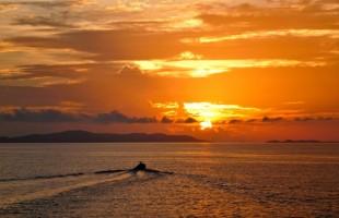 Philippins sunset on sea
