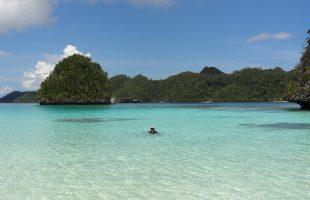 Cap'n Jimmy testing the waters @ Raja Ampat