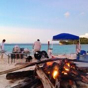 Raja Ampat M.Y. SuRi beach BBQ